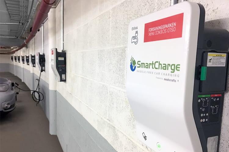 Über den digitalen Marktplatz SmartCharge leichter E-Ladestationen finden und anbieten
