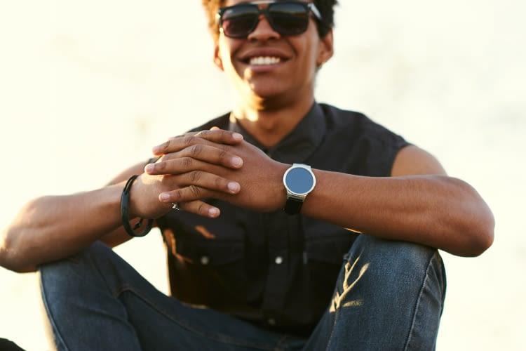Die neuen Smart Watches 2017 haben den Google Assistant an Bord