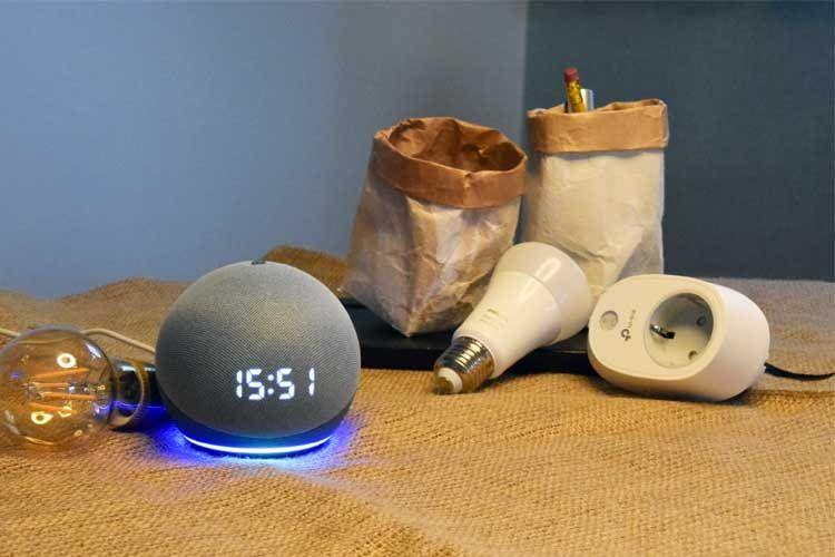 Ein Amazon Echo ermöglicht es, eine WLAN-Steckdose per Sprachbefehl zu bedienen