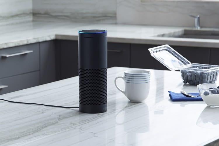 Von der Ersteinrichtung bis zur Aktivierung von Zusatzfunktionen begleitet die Alexa App Echo-Nutzer