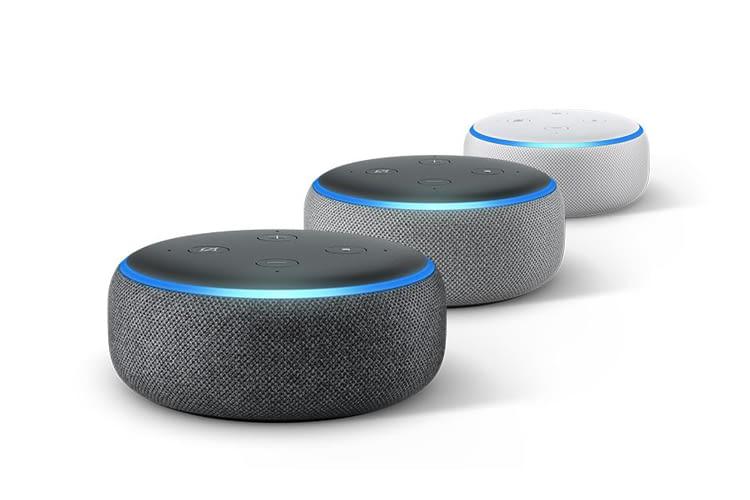 Den Echo Dot 3 Smart Speaker gibt es in den drei hier gezeigten Farbvarianten