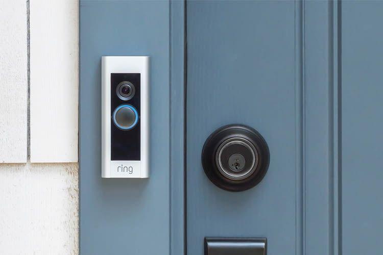 Die Ring Video Doorbell Pro bewacht rundum die Uhr die Haustür