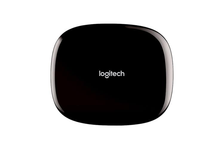 Der Logitech Harmony Hub ist eine Alexa-kompatible Universalfernbedienung