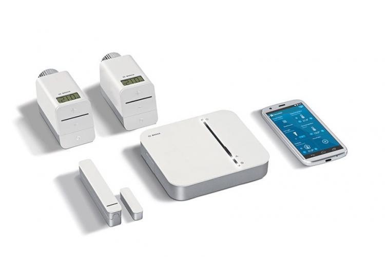 Das Bosch Smart Home Raumklima Paket mit 2 Heizkörper-Thermostate und 1 Tür-/Fensterkontakt