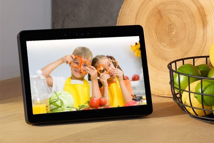 Nutzer können bei Echo Show individuelle Lieblingsbilder als Hintergrund einstellen