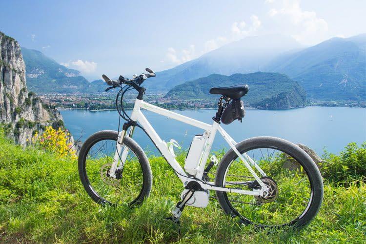 Schon mit wenigen Maßnahmen lässt sich die E-Bike Sicherheit enorm verbessern
