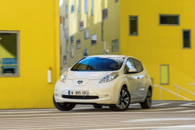 Nissan Leaf Modell 2010 - Reichweite, Preis & technische Daten