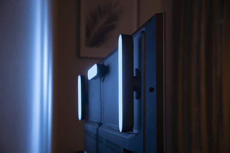 Philips Hue Play Lichtleisten erlauben es, TV-Geräte über Umwege mit Ambient-Effekten zu versehen