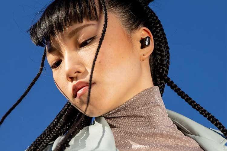 Die Beats Studio Buds sind klein und unauffällig, bieten aber dennoch starken Klang