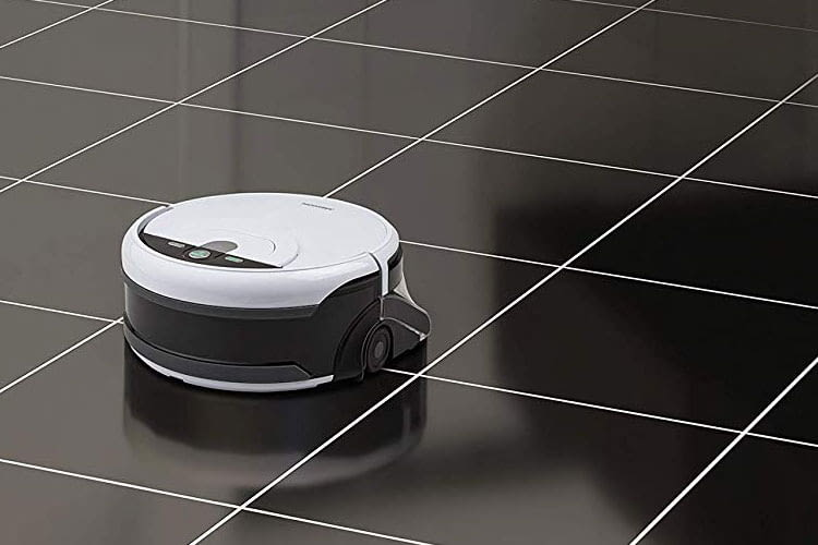 Der Medion MD 18379 Saug- und Wischroboter überzeugt auf Teppichboden und Fließen