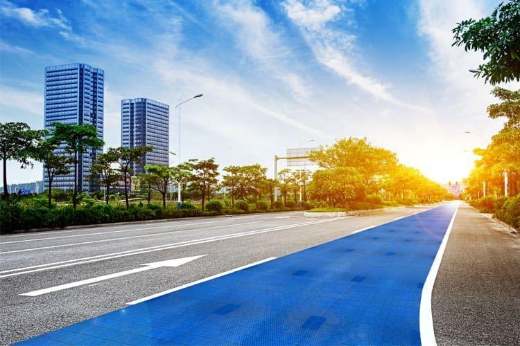 Greentech-Startup Solmove sorgt für leise und sichere Fahrt auf der Solarstraße