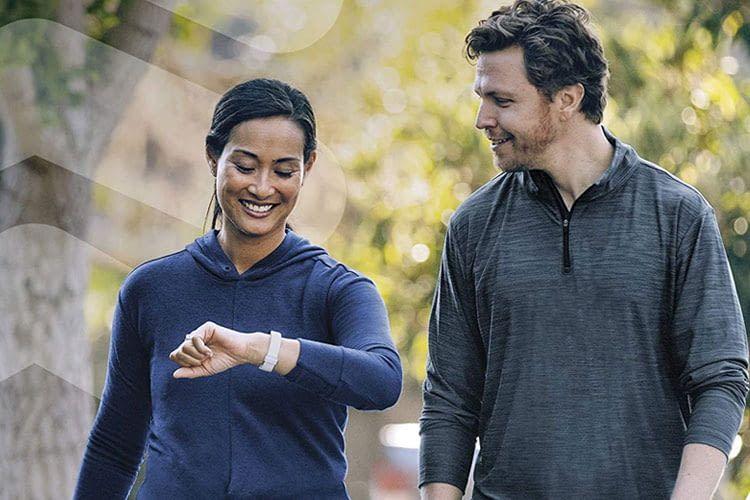Das Fitbit Inspire 2 Fitness-Armband kann zum hilfreichen Begleiter beim Sport werden