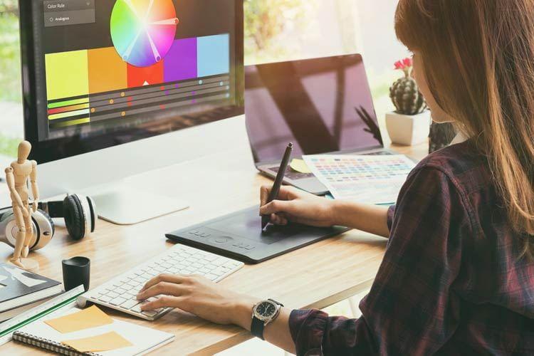 Mit einem Grafiktablet lassen sich kreative Ideen besonders leicht digitaliseren
