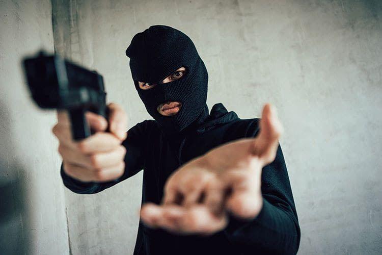 Alarmanlagen, die den VdS-Richtlinien und EN-Normen entsprechen, bieten Sicherheit vor Einbrechern und Räubern