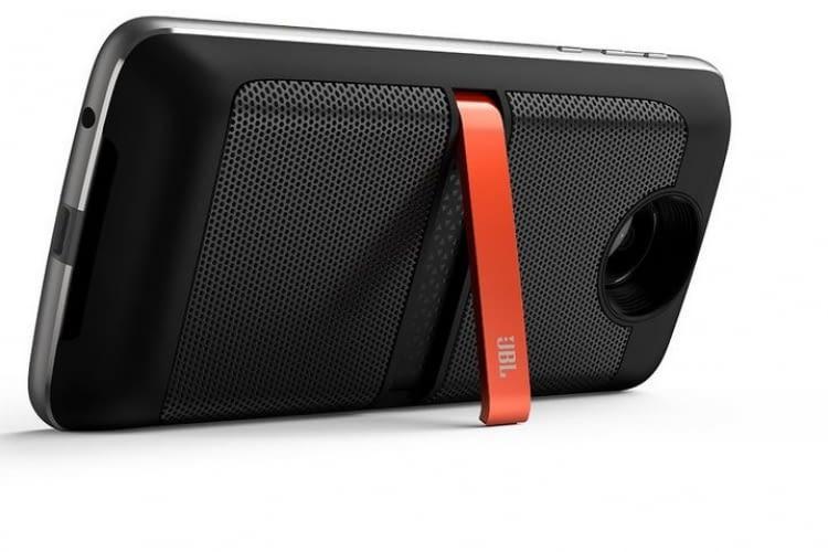 Motorola spricht mit Amazons Stimme