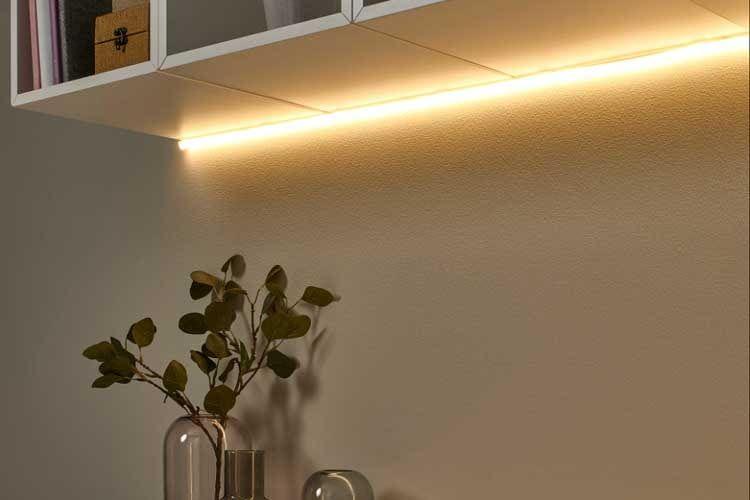 Der IKEA MYRVARV Lightstrip sorgt für ein optisches Highlight und schöne indirekte Beleuchtung