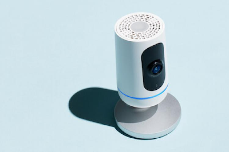 Abbildung der Vivint Ping Camera mit Two-Way-Kommunikation