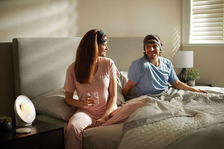 Ungestört durschlafen: Mit dem Philips SmartSleep Stirnband funktioniert das hoffentlich bald viel besser