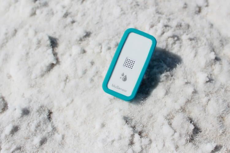 bluSensor misst Temperatur, Luftfeuchtigkeit und Taupunkt