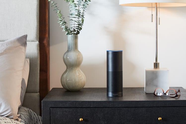 Amazon Echo ist ein Lautsprecher mit Sprachsteuerung
