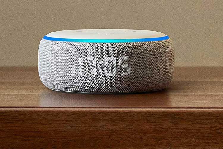 Amazon Echo Dot 3 mit Digitalanzeige kann die Zeit oder andere Informationen anzeigen