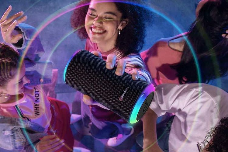 Die neuste Generation der Soundcore Flare Serie der Lautsprecher Soundcore Flare 2 ist mit gleich zwei LED-Ringen ausgestattet