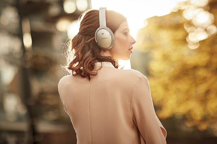 Bose QuietComfort 35 wireless headphones II bietet bis zu 20 Stunden Akkulaufzeit im kabellosen Betrieb mit aktiviertem ANC