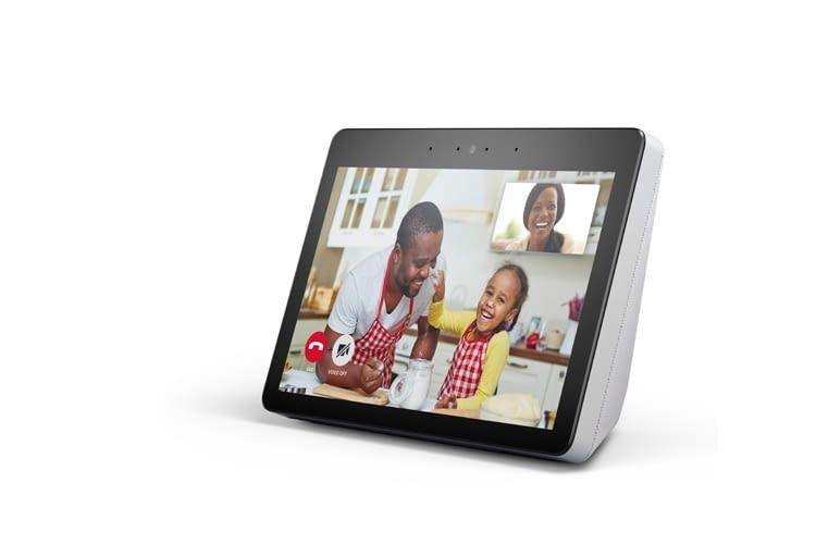 Echo Show 2 hat eine integrierte 5 Megapixel-Kamera, mit der auch Fotos gemacht werden können