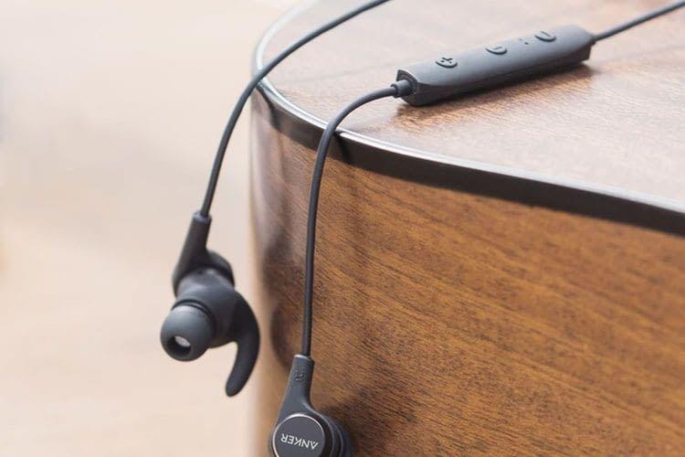 In-Ear-Bluetooth-Lautsprecher Anker SoundBuds Flow - ergonomisches Leichtgewicht