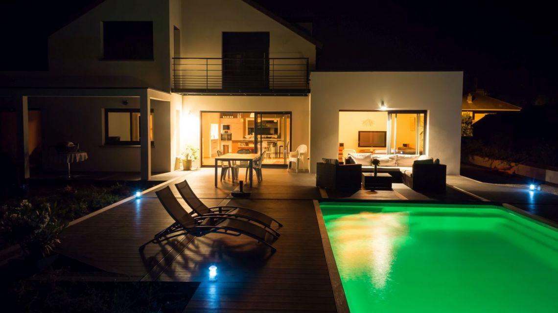 Lampen einschalten, wenn Nutzer nach Hause kommt mit WeMo Motion