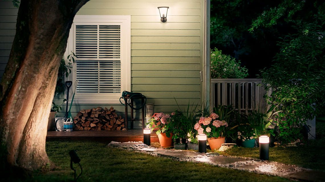 philips hue outdoor lampen lily calla lucca tuar. Black Bedroom Furniture Sets. Home Design Ideas