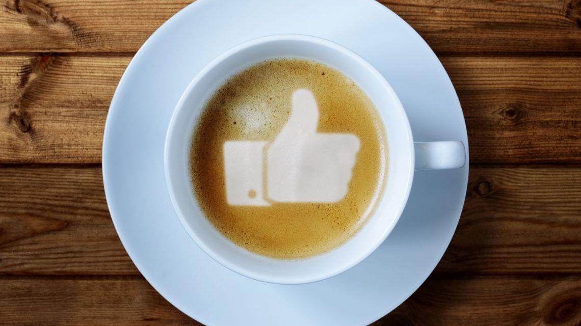Poste einen Facebook-Status
