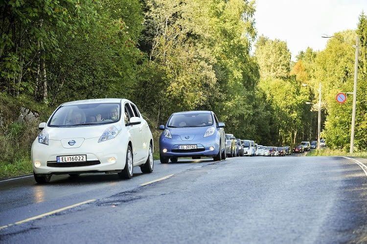 Wie schneidet der Nissan Leaf im Vergleich zur Konkurrenz ab?