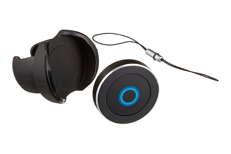 Der kleine Satechi-Button dient als Cortana-Sprachfernbedienung