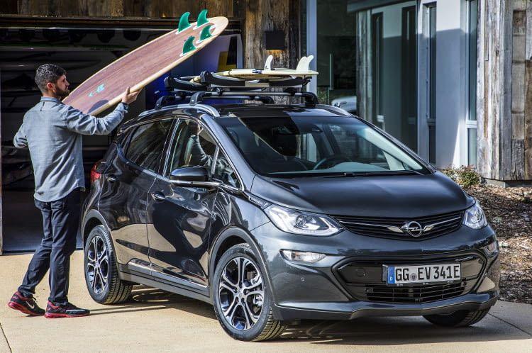 Der Opel Ampera e ist für vielfälitge Familien- und Freizeitaktivitäten gerüstet.