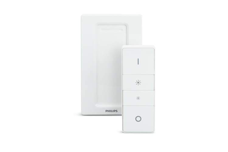 Der Philips Hue Wireless Dimming Schalter kann aus der Magnethalterung genommen werden