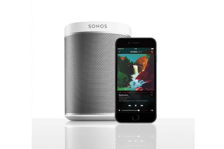 Abbildung Sonos PLAY:1 mit Controller App