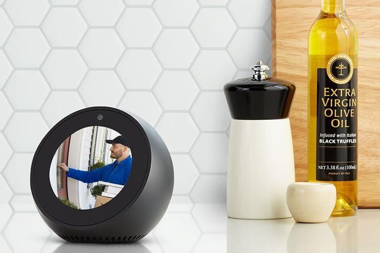 Mit der WLAN-Überwachungskamera und dem Echo Spot die Haustür oder das Baby überwachen