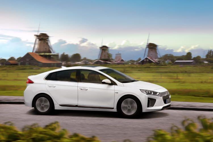 Auf Platz 9 im Reichweiten Vergleich: der IONIQ - das Elektroauto von Hyundai