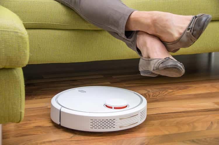 vacuum-robot-remove-dust
