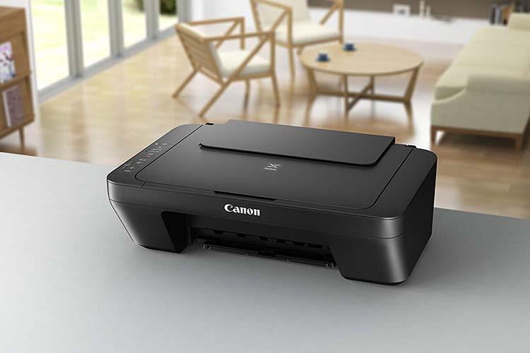 Dank kompakter Maße integriert sich der 3in1 Multifunktionsdrucker Canon PIXMA MG2555S gut in den Raum