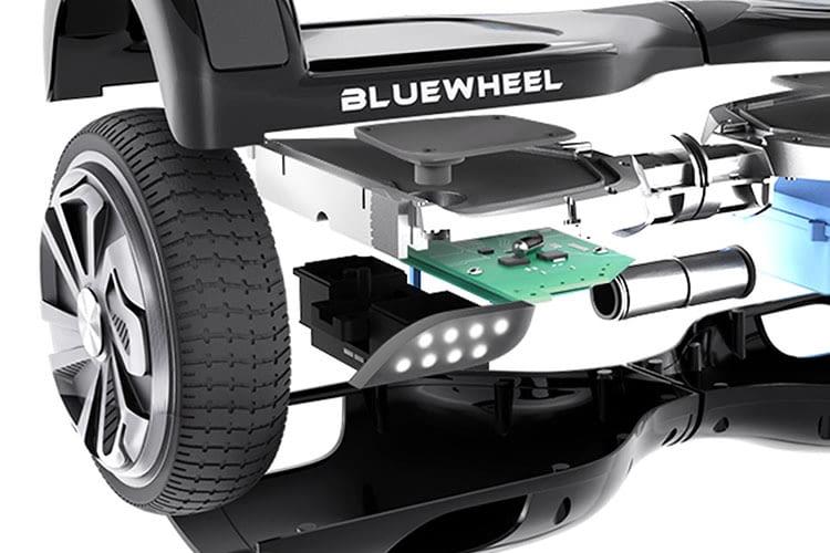 Zwei 350 Watt-Motoren treiben das Hoverboard Bluewheel HX310s an