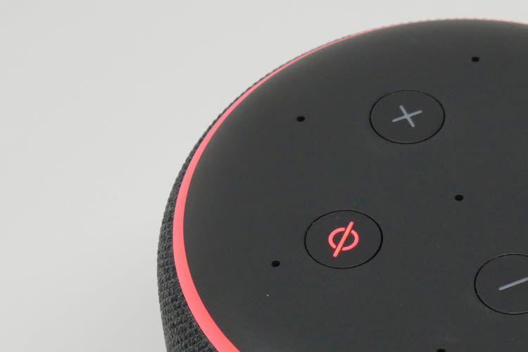 Datenschutz und Privatsphäre garantiert eine extra Taste, mit der Nutzer die Mikrofone ausstellen können