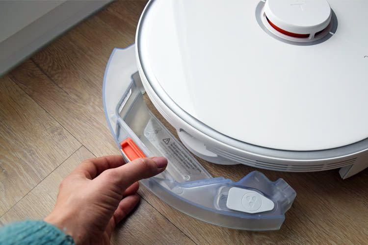 Der Wasserbehälter lässt sich dank Klick-System einfach entnehmen