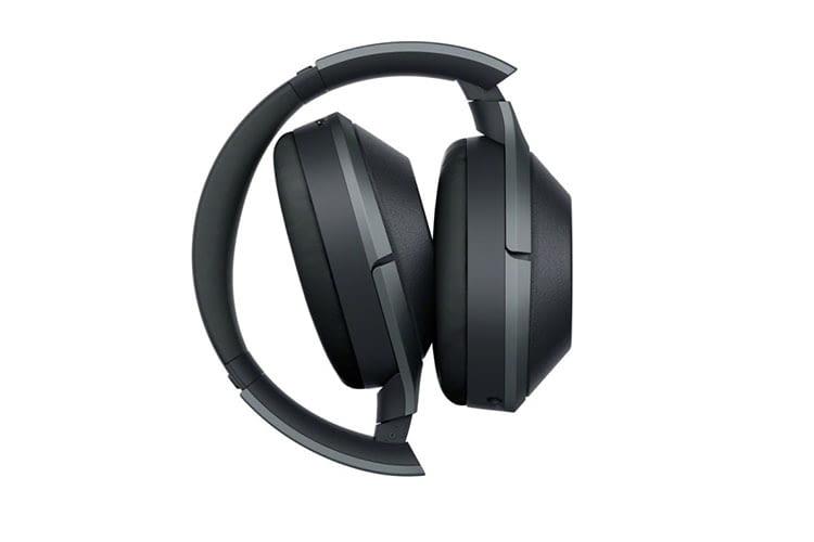 Der Bluetooth-Kopfhörer Sony WH-1000XM2 lässt sich zum Transport zusammenfalten