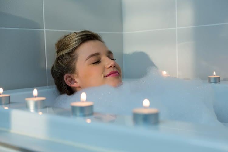 Sogar von der Badewanne aus, lässt sich die Raumtemperatur per Sprachbefehl ändern