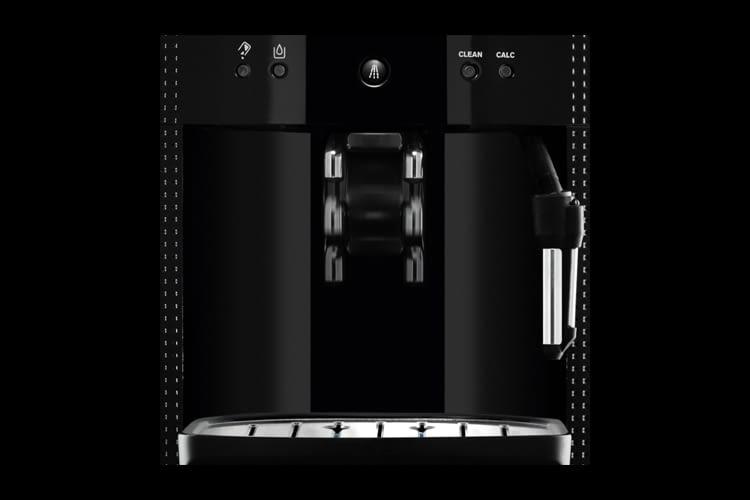 Praktisch: Der Kaffeeauslauf kann von von 60 mm bis 105 mm verstellt werden