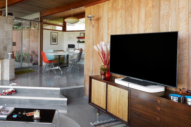 Sonos Playbase TV-Lautsprecher und Sockel