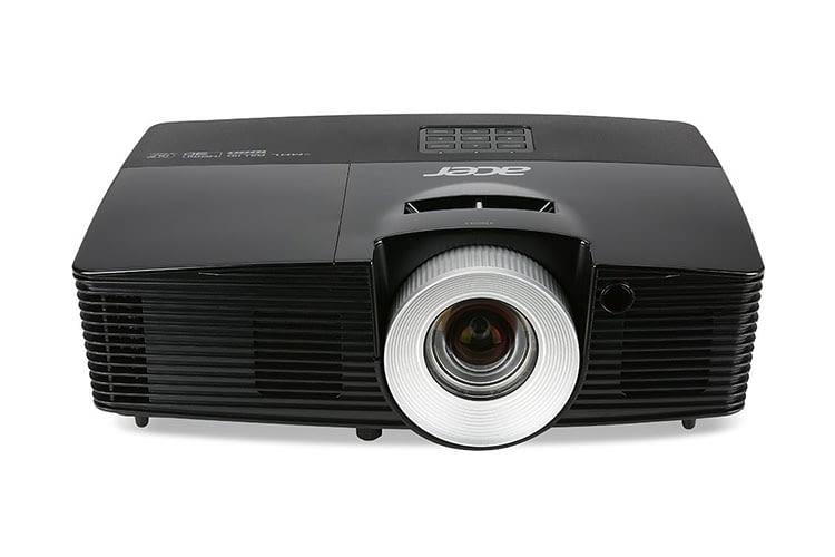 Tageslichttauglicher Beamer: Der Acer P5515 DLP mit 4.000 ANSI Lumen