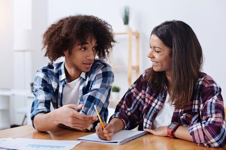Alexa hilft auch Studenten neue Fachbegriffe zu verstehen oder zu übersetzen